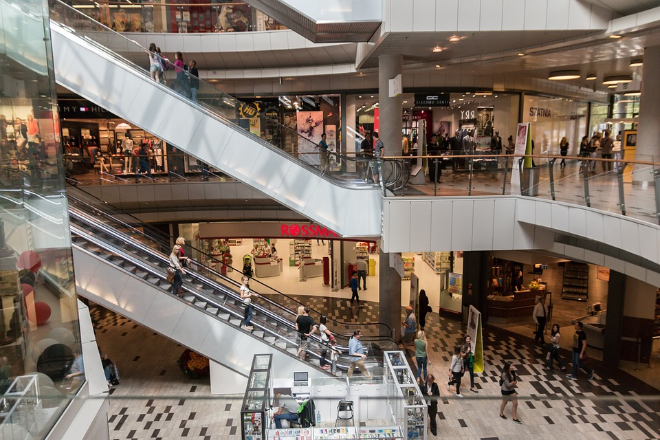 The best mall hacks to save money while shopping